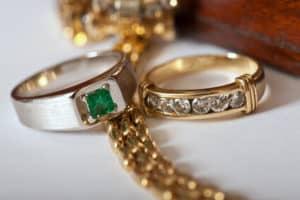 Schmuck Juwelier Gold & Diamonds-Foto mit einem Brilliant Ring