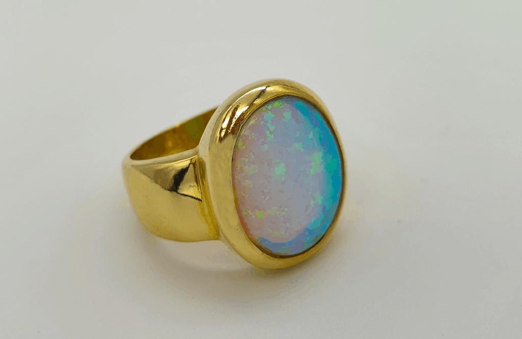 Goldbrillant Ring schimmernd